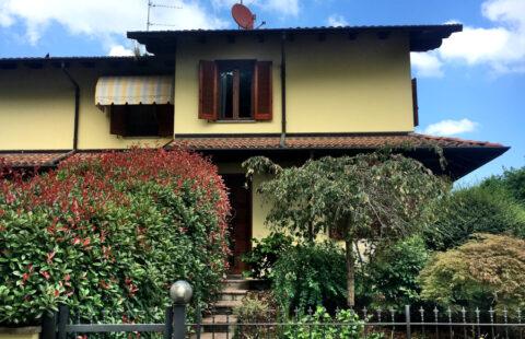 Villa a schiera con piscina privata Carpignano Sesia